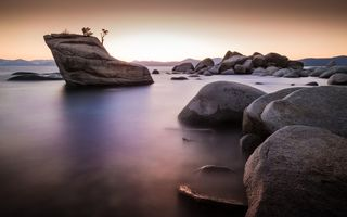 Обои камни, Lake Tahoe, природа, Bonsai Rock, озеро, скала