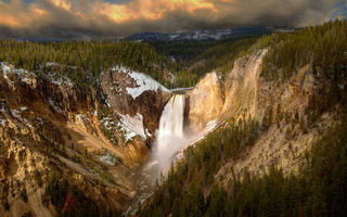Обои Lower Falls, лес, водопад, Wyoming, национальный парк, Yellowstone Canyon, Canyon Junction, USА, каньон