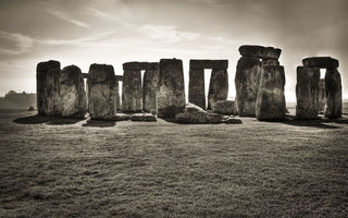 Обои stonehenge, nature, grass, камни, небо, clouds, landscape, 2560x1600, облака, rocks, природа, пейзаж, трава, Стоунхендж, sky