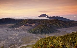 Обои sunrise, east java, bromo, volcano, indonesia, lawang