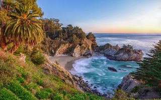Обои McWay Falls, море, McWay Cove Beach, Парк Джулии Пфайфер Берн, Big Sur, водопад, California, Биг-Сюр, берег, Julia Pfeiffer Burns State Park, Калифорния, закат