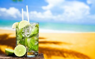 Обои мохито, tropical, sun, lime, коктейль, mojito, пляж, cocktail, fresh, drink, море, sand, лайм, beach