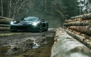 Обои Forest, Black, Front, Ferrari, LaFerrari, Dark, Supercar