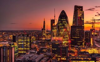Обои закат, Лондон, ночной город, здания, 30 St Mary Axe, London, England, небоскрёбы, Англия, панорама, Сент-Мэри Экс 30, Небоскрёб Мэри-Экс, The Gherkin