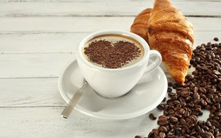 Обои coffee, круассан, cup, love, heart, breakfast, croissant, завтрак, кофе, beans