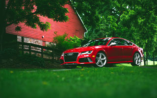 Обои Audi, frontside, RS7, red, wheels