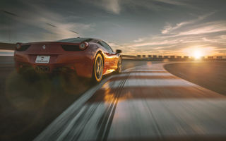 Обои Ferrari, Red, Sky, Rear, Track, Racing, Supercar, 458, Dream, Italia, Sun