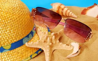 Картинка vacation, seashells, пляж, starfish, summer, очки, песок, sand, accessories, шляпа, beach, ракушки, лето