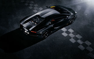 Обои Lamborghini, Supercar, Rear, LP700-4, Aventador, Black, Top, Finisg, View, Ligth, Line