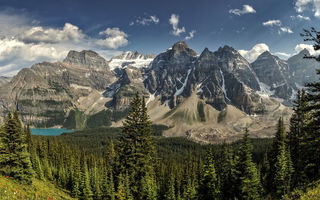 Обои Moraine Lake, Canada, озеро, лес, Alberta, горы, Valley of the Ten Peaks, панорама, Banff National Park