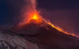 Картинка nature, volcano, night, Sicilia, Etna, mountain, eruption