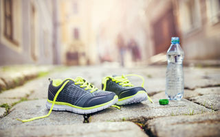 Картинка mineral water, healthy lifestyle, fitness, running shoes