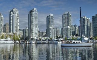 Обои яхты, false creek, канада, ванкувер, здания, катера, британская колумбия, yaletown, набережная, порт