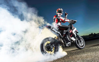 Картинка smoke, hypermotard, Ducati, rubber, burn