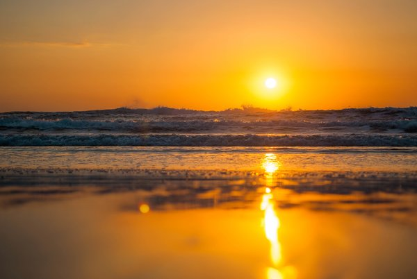 Обои sunny, reflection, waves, sunset, beach, summer