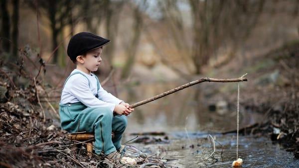 Обои на телефон: природа, игра, рыбалка, мальчик, удочка