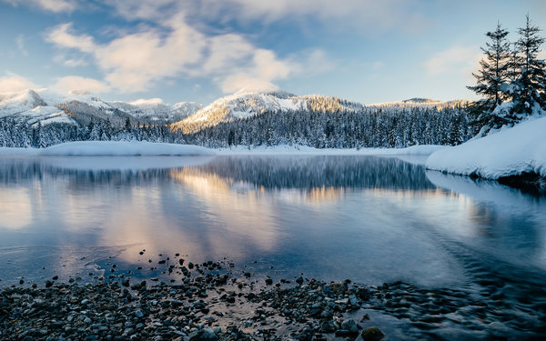 Обои New Day Rising, Gold Creek Pond - Hyak, Washington