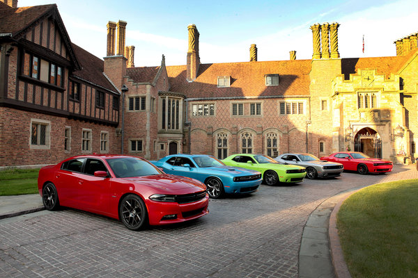 Обои dodge, charger, challenger, 2015, anniversary, srt, rt, 100th, hellcat
