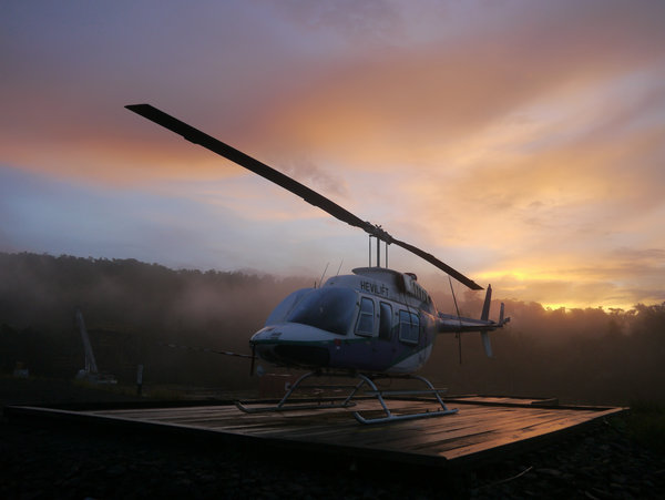 Обои Morning, Jungle, Chopper, PNG, Scene, Helicopter, Sunrise, Bell, 206, Longranger