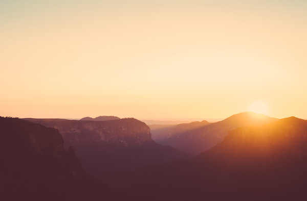 Обои гора, Blue Mountains, Canyon, Австралия, Mountain, небо, ландшафт, Sunrise, сияние, Australia, Sun, солнце, рассвет