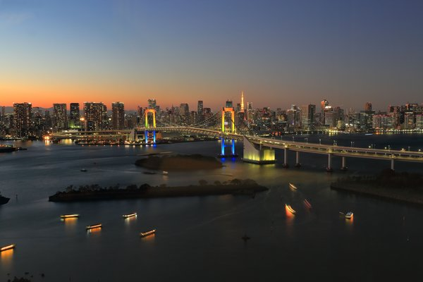 Обои Tokyo, Rainbow Town, dusk, bridge, reflections, sunset, Odaiba, Rainbow Bridge, Japan, twilight