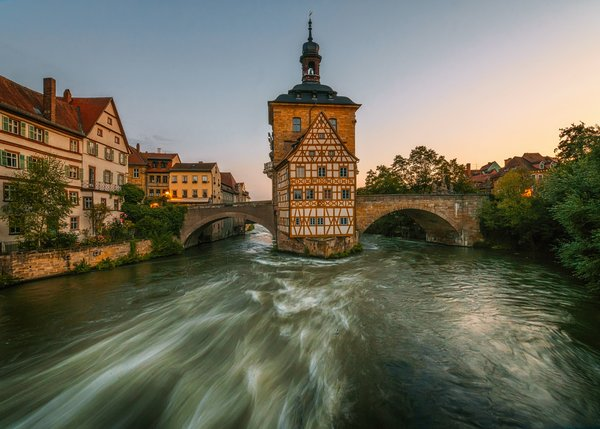 Обои Bamberg, Old town hall, Bavaria, Germany, мост, Бавария, Старая ратуша, река Регниц, Германия, здания, набережная, Бамберг, река, Regnitz River