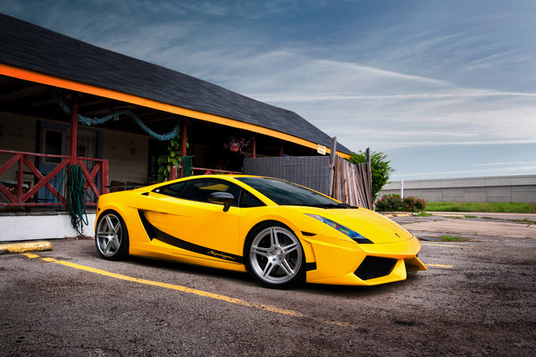 Обои суперлегера, ламборджини, Gallardo, ламборгини, yellow, Superleggera, жёлтая, гараж, Lamborghini, галлардо, здание