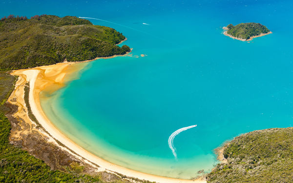 Обои abel tasman, boat, national park, coast, beach, ocean, new zealand